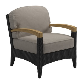 Elegant Plantation Lounge Chair